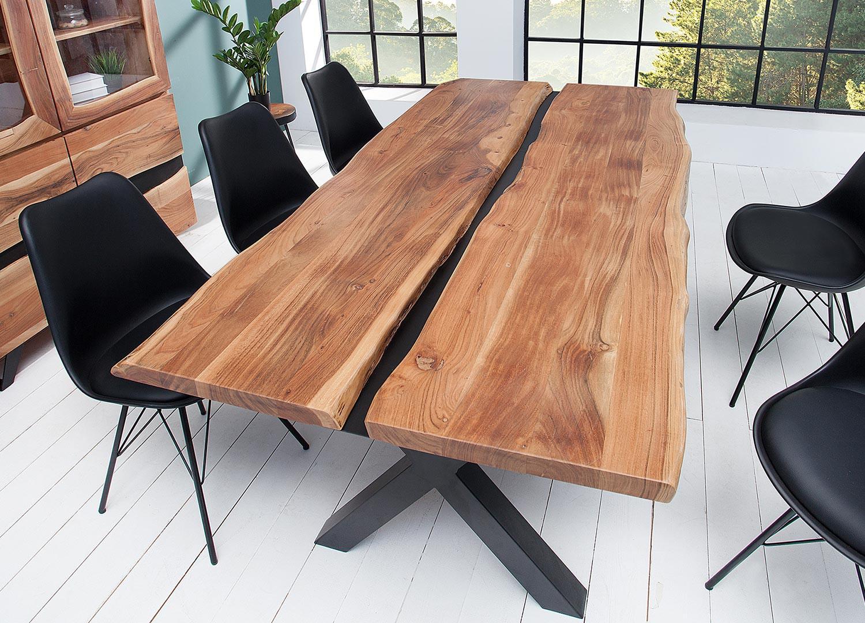 Table à manger bois massif et décor noir métal