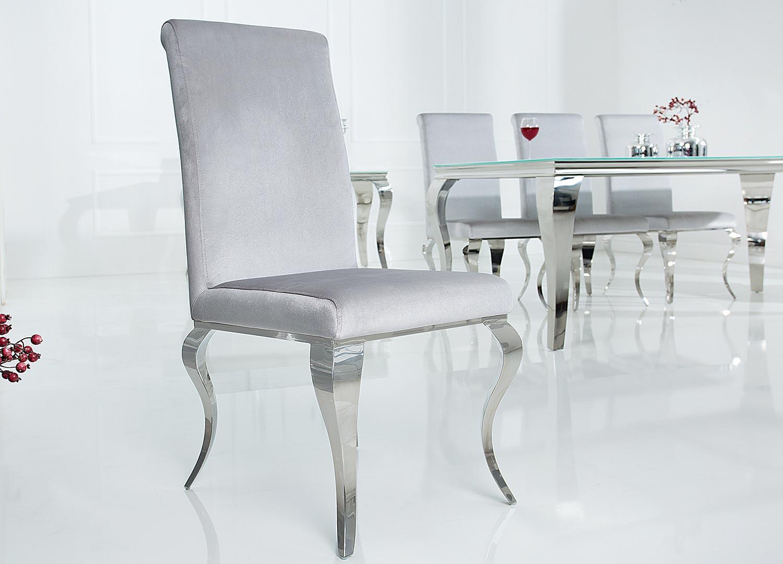 Lot de 4 chaises velours gris style baroque et pied argenté poli