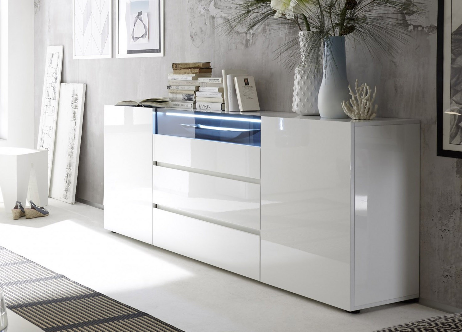 Buffet design laqué blanc brillant